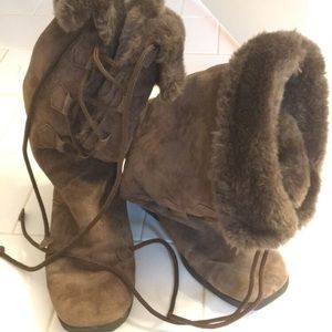 Brown suede lace up fur boot